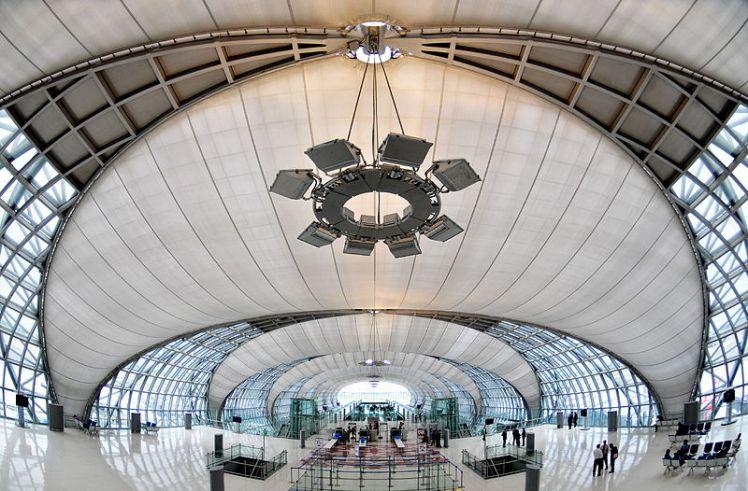 Suvarnabhumi_Airport,_Bangkok,_Thailand_2