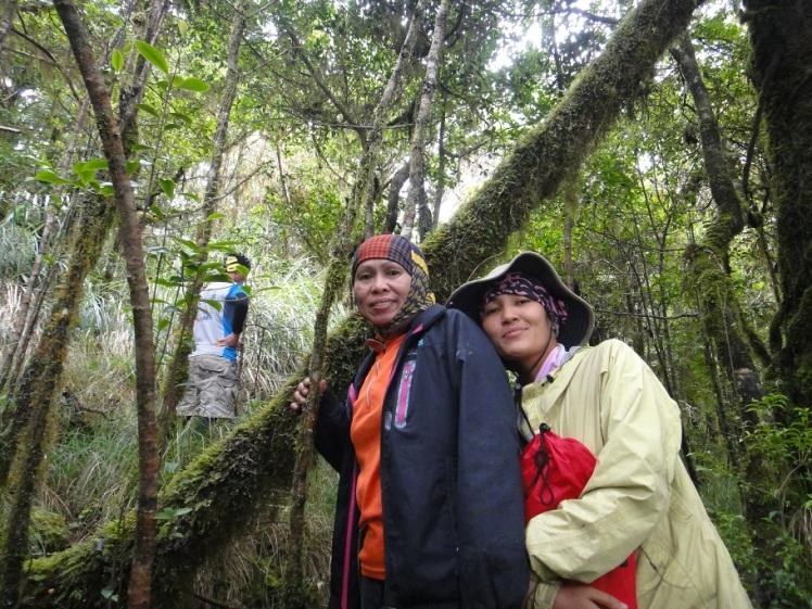 May Anne and Maam Iking at Mt. Piagayungan